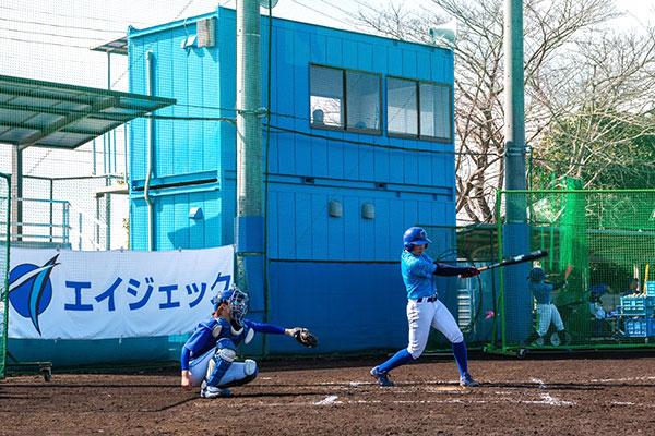 女子硬式野球部練習風景